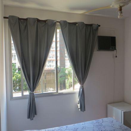 Rent this 3 bed room on R. Gen. Pereira da Silva in 75 - Icaraí, Niterói - RJ