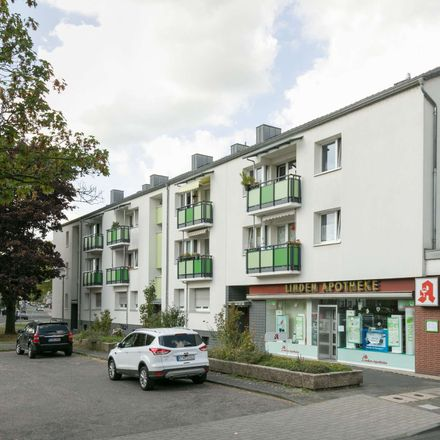 Rent this 3 bed apartment on Cologne in Chorweiler, NW