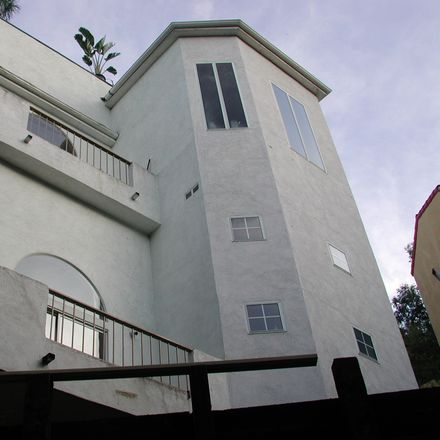 Rent this 1 bed house on 3026 Passmore Dr in Central LA, Los Angeles