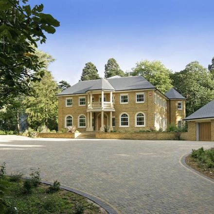 Rent this 6 bed house on Buttersteep Rise in Chavey Down SL5 8AX, United Kingdom