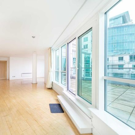 Rent this 2 bed house on Bridge House in A202, London SW8