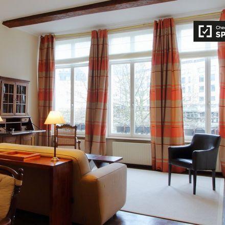 Rent this 1 bed apartment on Boulevard de l'Empereur - Keizerslaan 1 in 1000 Ville de Bruxelles - Stad Brussel, Belgium