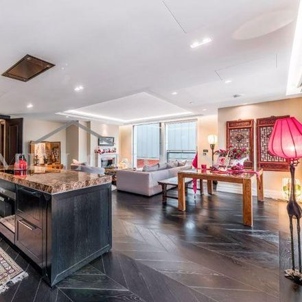 Rent this 3 bed apartment on 2 Arundel Street in London, WC2R