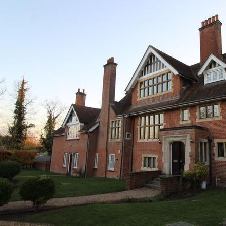 Rent this 2 bed apartment on Station Lane in Brentwood CM4 9EZ, United Kingdom