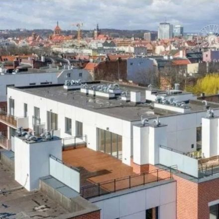 Rent this 4 bed apartment on Ciasna 2 in 80-111 Gdansk, Poland