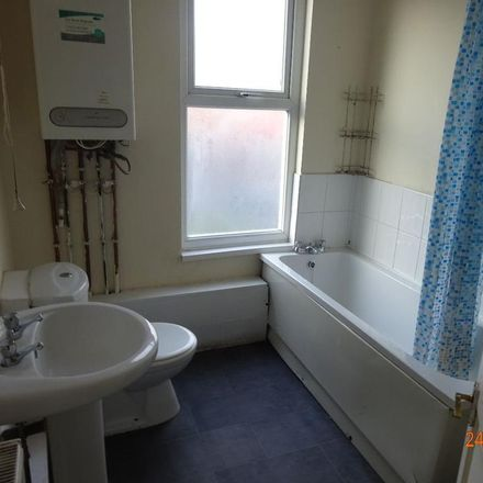 Rent this 2 bed house on Al Madina Superstore in Dorset Road, Leeds LS8 3QL