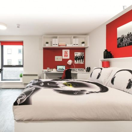 Rent this 6 bed room on Tanvir in Vere Street, Cardiff