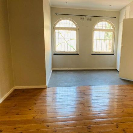 Rent this 3 bed house on Tilt in 7th Street, 4th Avenue