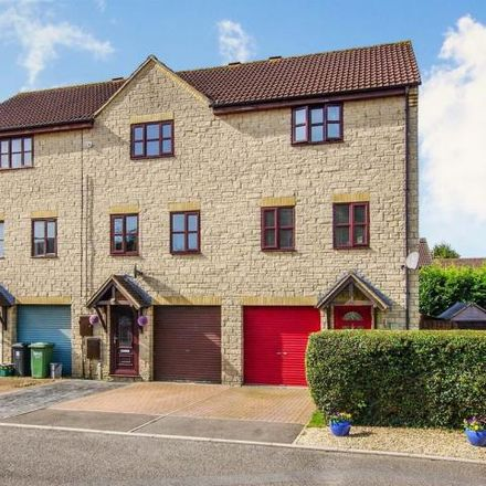 Rent this 3 bed house on 153 Couzens Close in Chipping Sodbury, BS37