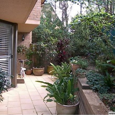 Rent this 3 bed townhouse on 10/3-5 Cammeray Avenue