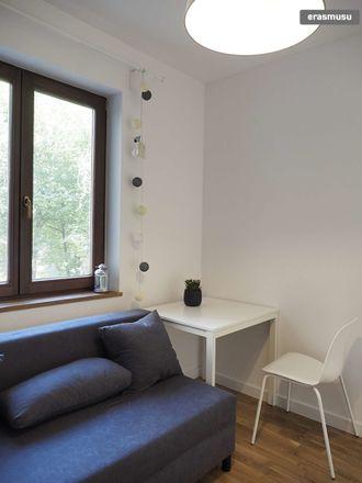 Rent this 3 bed room on Henryka Hipolita Rodakowskiego