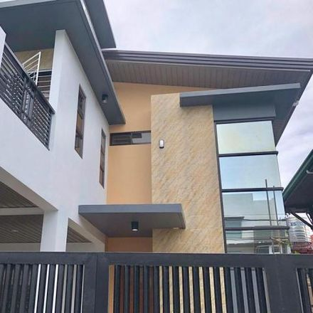 Rent this 5 bed house on Petron in Doña Soledad Avenue, Paranaque