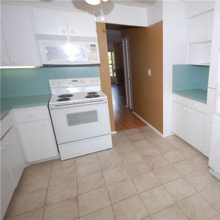Rent this 2 bed condo on Locust St NE in Saint Petersburg, FL