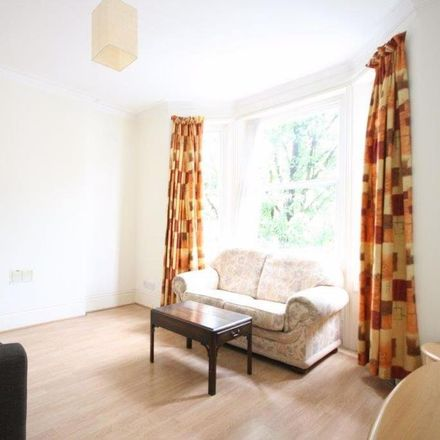 Rent this 2 bed apartment on Kingwood Road in London SW6 6SW, United Kingdom