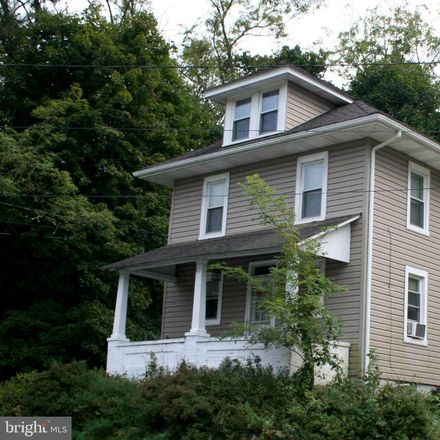 Rent this 3 bed house on 82 Race Street in Bechtelsville, PA 19505