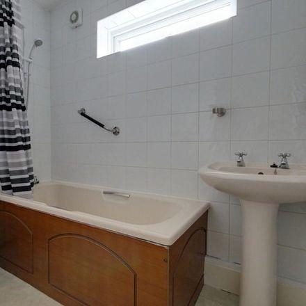 Rent this 2 bed apartment on Caernarvon Road in North East Derbyshire S18 1WJ, United Kingdom