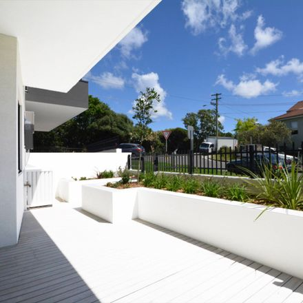 Rent this 1 bed apartment on 2/403 Old South Head Road