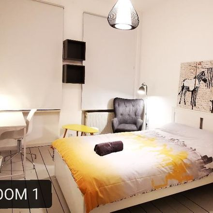 Rent this 5 bed room on Weiherstraße 10 in 53111 Bonn, Germany