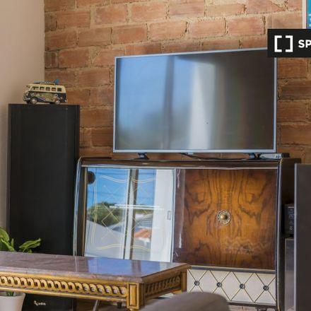 Rent this 1 bed apartment on Grupo despostivo e recreativo das Fontaínhas in Rua Catarina Eufémia 167, 2750-318 Cascais e Estoril