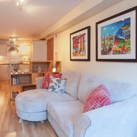 Rent this 1 bed apartment on St Patrick's Roman Catholic School in Drummond Street, City of Edinburgh EH8 9TT