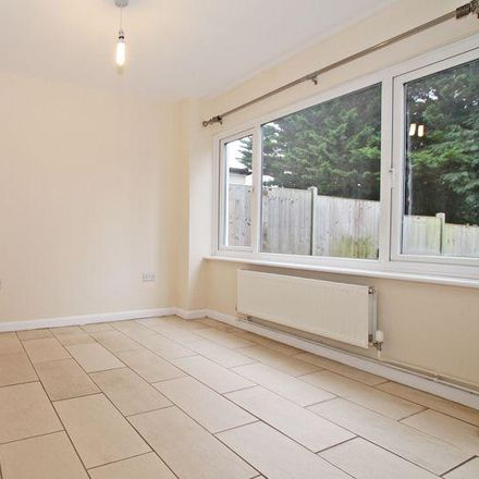 Rent this 3 bed house on Blairlogic in 24 Beacon Way, Fareham SO31 7GL