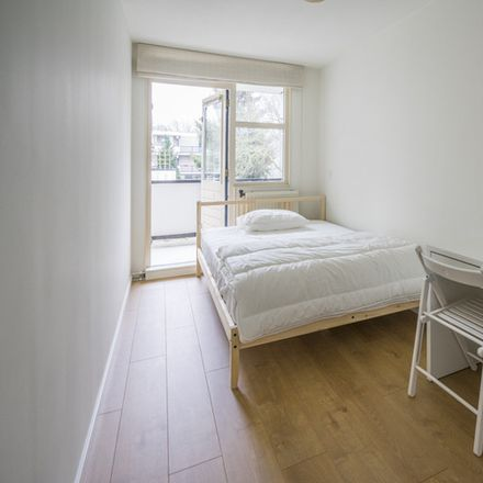 Rent this 4 bed room on Wamelstraat 86 in 1106 DM Amsterdam, Países Bajos