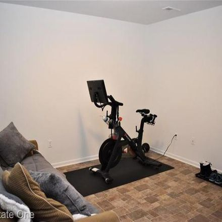Rent this 2 bed condo on 647 Fielding Street in Ferndale, MI 48220