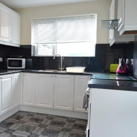 Rent this 4 bed room on Lancaster Road in Newcastle-under-Lyme ST5 1DS, United Kingdom