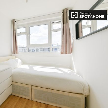 Rent this 4 bed apartment on 2-32 Eric St in 2-32 Eric Street, London E3 4TG