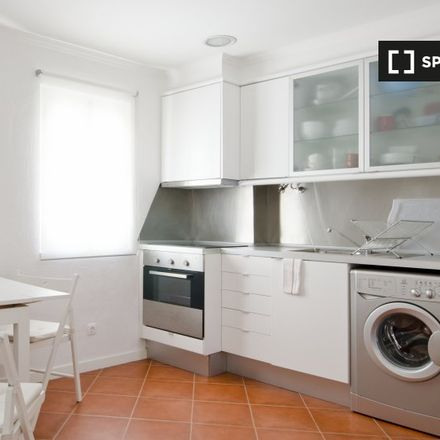 Rent this 1 bed apartment on Vinho na morgadinha in Rua da Regueira 51, 1100-126 Lisbon