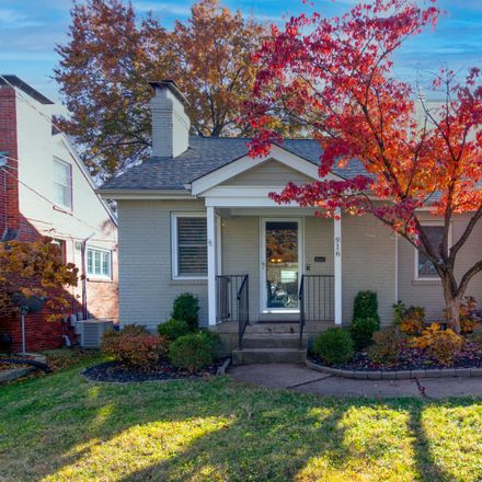 Rent this 4 bed house on 916 Chelsea Avenue in Glendale, MO 63122