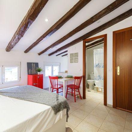 Rent this 1 bed apartment on Momo Restaurant in Calle de Barbieri, 28001 Madrid