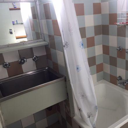 Rent this 1 bed apartment on 6/35 Dorward Avenue