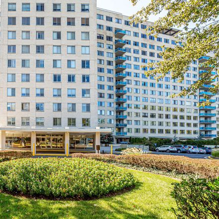 Rent this 2 bed condo on Rockville Pike in Rockville, MD 20852