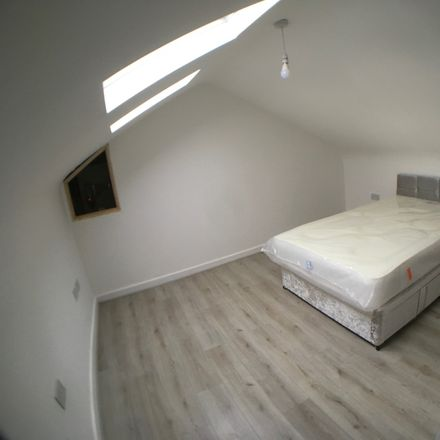 Rent this 5 bed room on Bedford Road in Liverpool L4 5PS, United Kingdom