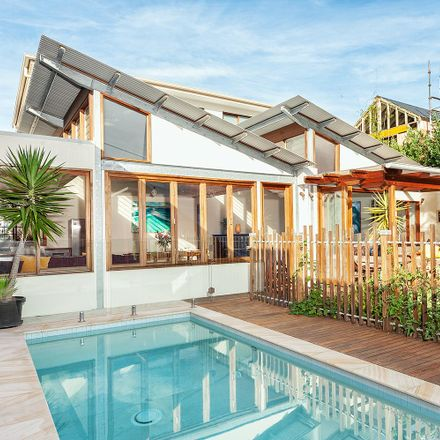 Rent this 4 bed house on 42 Tamarama St