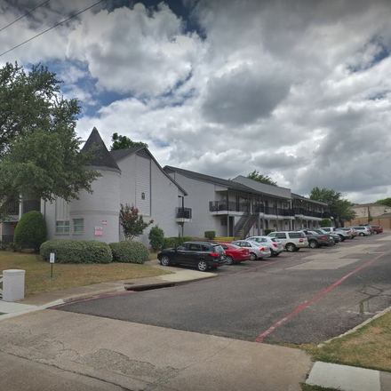 Rent this 3 bed apartment on 723 West Arapaho Road in Richardson, TX 75080