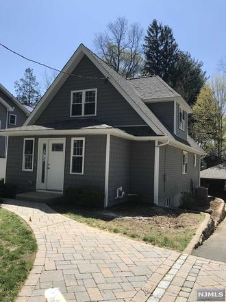 Rent this 3 bed house on 509 Bryant Place in River Vale, NJ 07675
