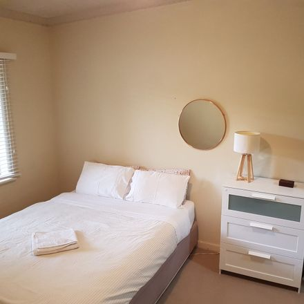 Rent this 1 bed apartment on 8/9 Jersey St