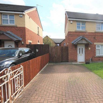 Rent this 3 bed house on Glensdale Grove in Leeds LS9 9JL, United Kingdom