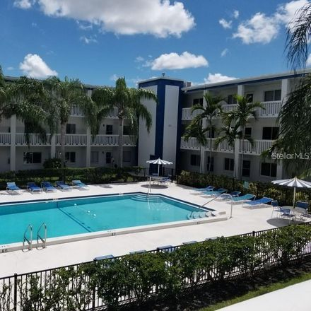 Rent this 2 bed condo on 79th Ave N in Saint Petersburg, FL