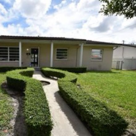 Rent this 3 bed house on 2125 SW 98th Ave in Miami, FL 33165
