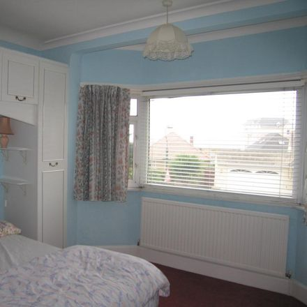 Rent this 3 bed house on Dalmeny Road in Wick BH6 4BW, United Kingdom