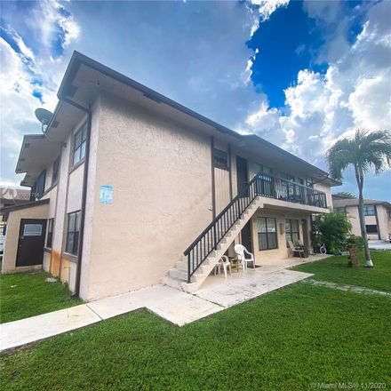 Rent this 2 bed condo on 2530 West 67th Place in Hialeah, FL 33016