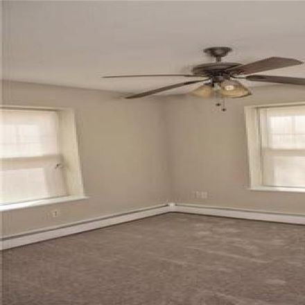 Rent this 3 bed house on 123 West Avenue in Pawtucket, RI 02860