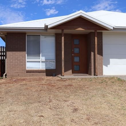 Rent this 3 bed apartment on Unit 1 | 4 Adelaide Street