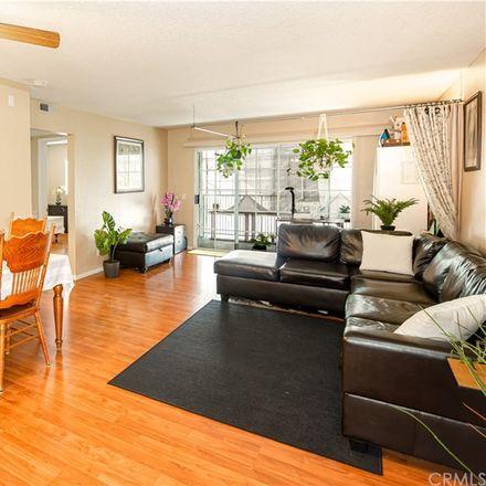 Rent this 2 bed condo on 1121 Obispo Avenue in Long Beach, CA 90804