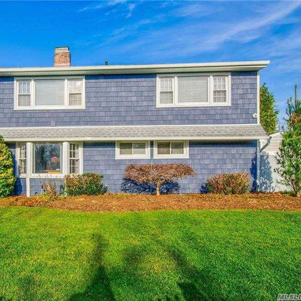 Rent this 6 bed house on 39 Ball Park Lane in Oyster Bay, NY 11801
