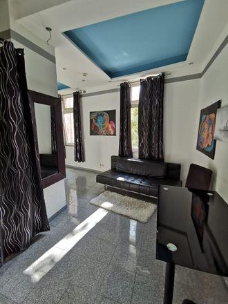 Rent this 1 bed apartment on Koh Samui Kitchen in Grüneburgweg 79, 60323 Frankfurt
