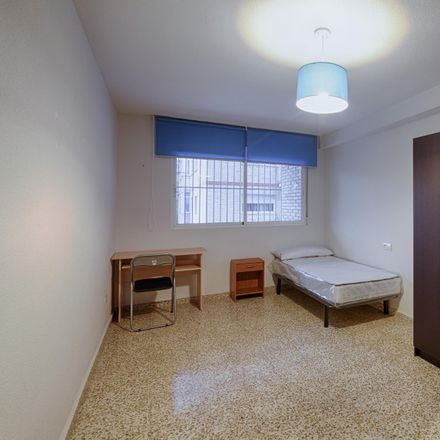 Rent this 4 bed room on Calle Periodista Antonio Joaquín Afán de Ribera in 18011 Granada, Spain